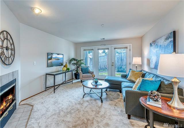 12406 SE 31st St #103, Bellevue, WA 98005 (#1408443) :: Ben Kinney Real Estate Team