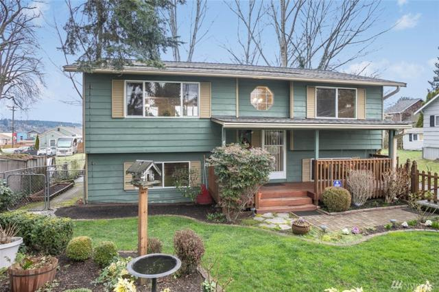 906 N 30th St, Renton, WA 98056 (#1409187) :: Homes on the Sound