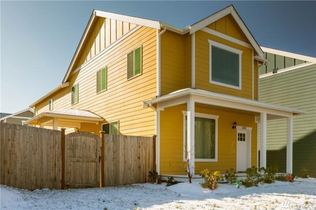 1691 NW 6th, Oak Harbor, WA 98277 (#1409657) :: Ben Kinney Real Estate Team