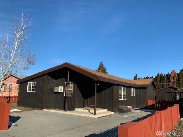 10 N Douglas St, Omak, WA 98841 (#1409671) :: Homes on the Sound