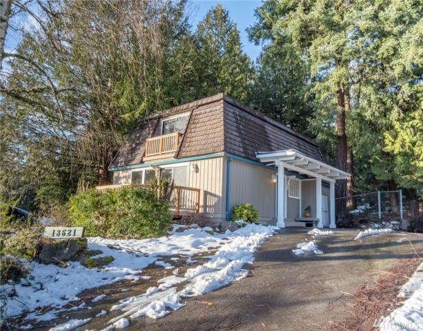 18621 41st Place NE, Lake Forest Park, WA 98155 (#1411064) :: Hauer Home Team