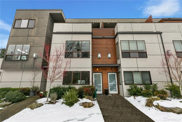 4400 Brygger Dr W B, Seattle, WA 98199 (#1411155) :: KW North Seattle