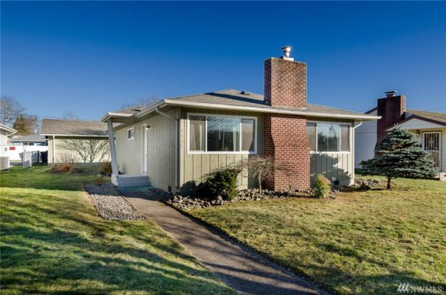1136 18th Ave, Longview, WA 98632 (#1411401) :: Hauer Home Team