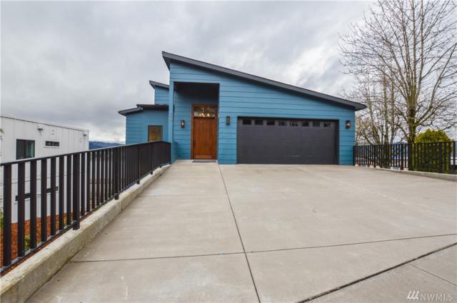 699 N 2nd St, Kalama, WA 98625 (#1411481) :: Canterwood Real Estate Team