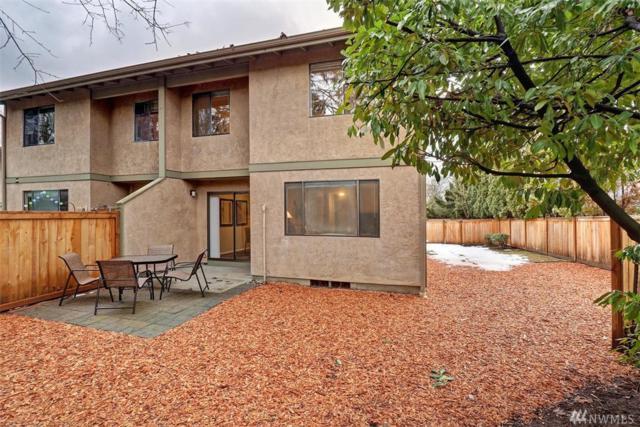 10006 NE 138th Place S2, Kirkland, WA 98034 (#1412154) :: Carroll & Lions