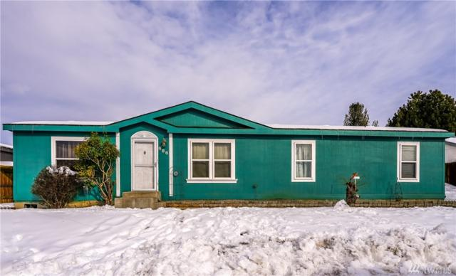 686 S Larch Ave, East Wenatchee, WA 98802 (#1412614) :: Tribeca NW Real Estate