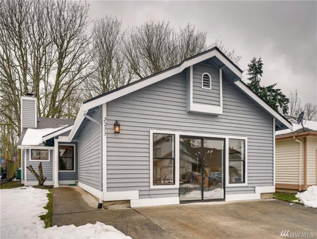 2233 8th Place, Renton, WA 98055 (#1414112) :: Homes on the Sound