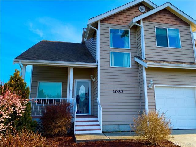 1082 NW Kelly Place, Oak Harbor, WA 98277 (#1415530) :: Costello Team