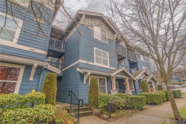 1698 25th Place NE #203, Issaquah, WA 98029 (#1415721) :: HergGroup Seattle