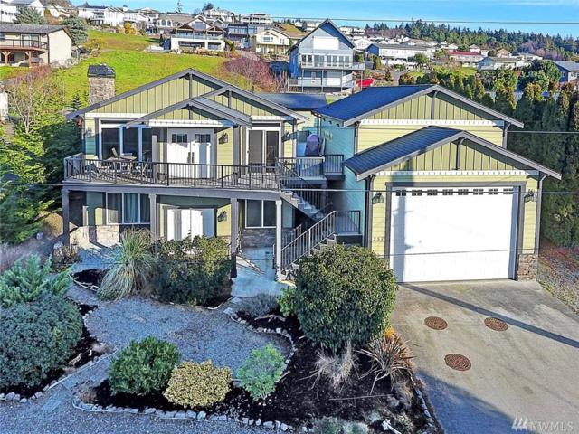 257 Maple St, Camano Island, WA 98282 (#1416362) :: Canterwood Real Estate Team