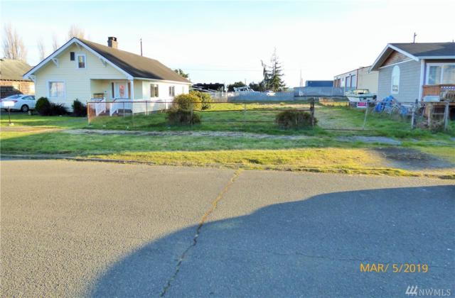 2214 Pacific Ave, Hoquiam, WA 98550 (#1418963) :: Crutcher Dennis - My Puget Sound Homes