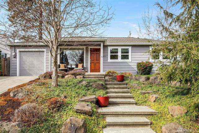 8021 44th Ave NE, Seattle, WA 98115 (#1419141) :: Homes on the Sound