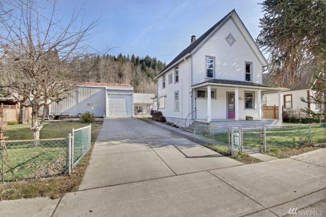 211 Albert St, Wilkeson, WA 98396 (#1421716) :: Ben Kinney Real Estate Team
