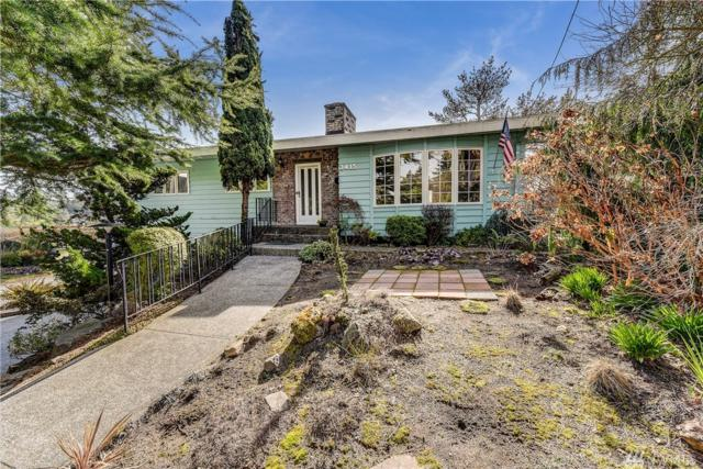 3415 W Dravus St, Seattle, WA 98199 (#1422802) :: Real Estate Solutions Group