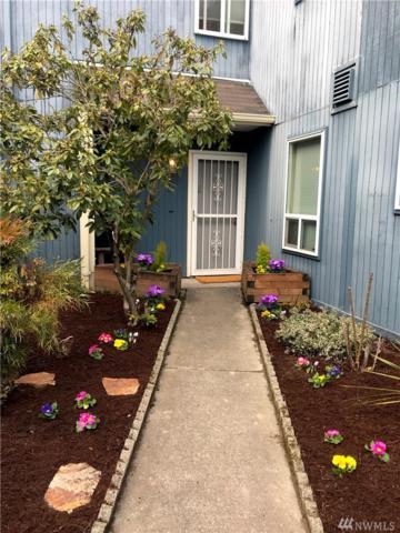8414 25th Ave SW C, Seattle, WA 98106 (#1424464) :: Kimberly Gartland Group