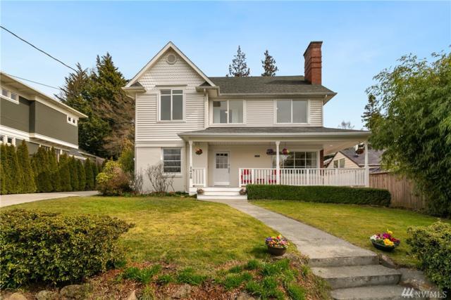 2428 31st Ave W, Seattle, WA 98199 (#1424618) :: Alchemy Real Estate