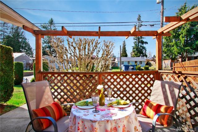 11024 4th Ave S, Seattle, WA 98168 (#1424742) :: The Kendra Todd Group at Keller Williams