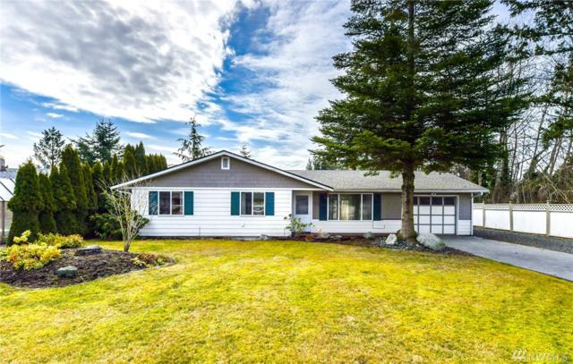 2217 30th St, Anacortes, WA 98221 (#1424970) :: Hauer Home Team