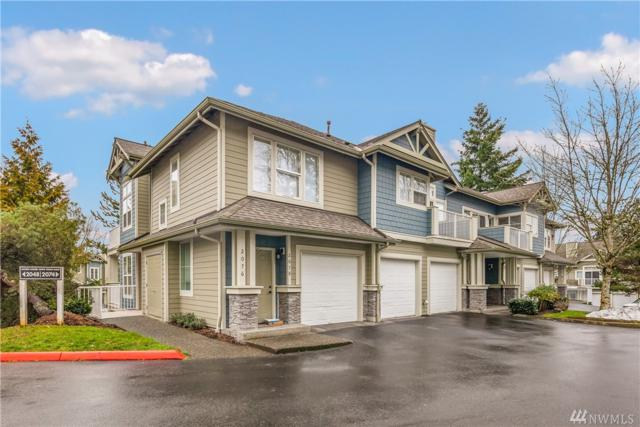 2076 Newport Wy NW 10-2, Issaquah, WA 98027 (#1425236) :: Mike & Sandi Nelson Real Estate