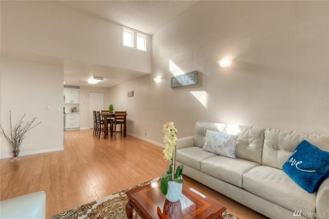 4308 NE Sunset Blvd U-3, Renton, WA 98059 (#1425316) :: Alchemy Real Estate