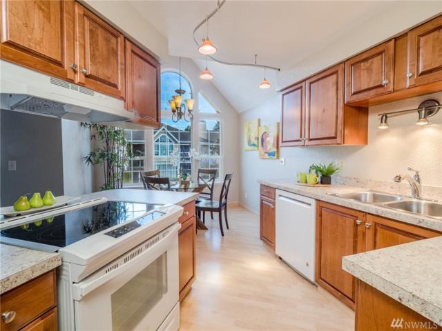 16419 Spruce Wy A6, Lynnwood, WA 98087 (#1425475) :: Keller Williams - Shook Home Group