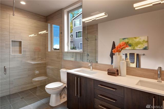 2606 14th Ave W, Seattle, WA 98119 (#1425801) :: Real Estate Solutions Group