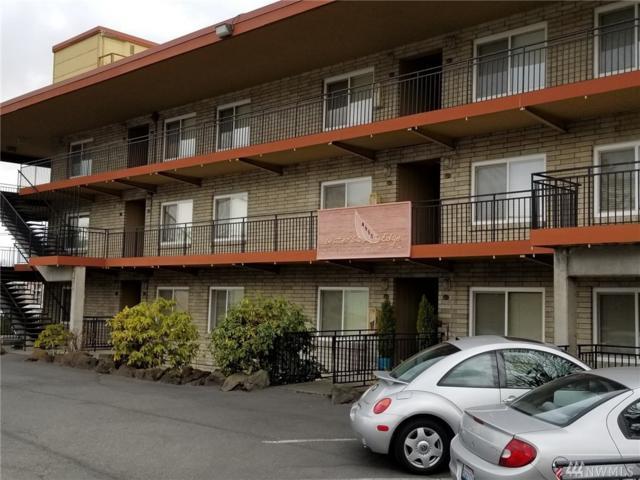 9520 Rainier S #106, Seattle, WA 98118 (#1425849) :: Keller Williams Everett