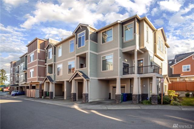 3949 NE 3rd Pl, Renton, WA 98056 (#1426421) :: Real Estate Solutions Group