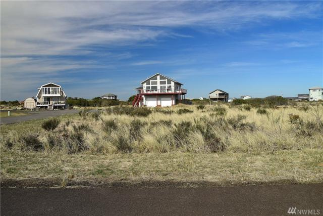 1417 Sand Pebble Ave, Ocean Shores, WA 98569 (#1427888) :: Hauer Home Team