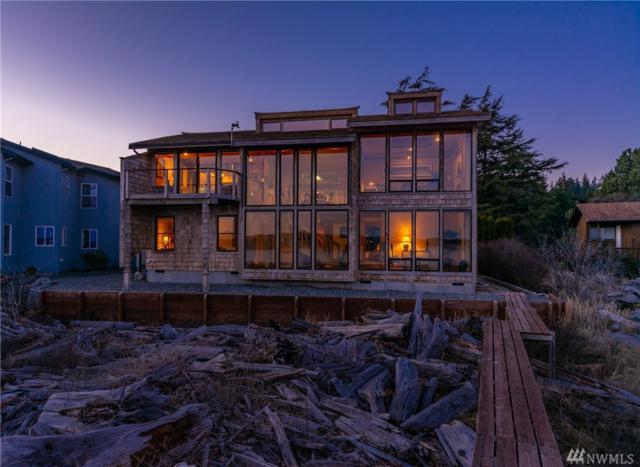 1810 Lola Beach Lane, Oak Harbor, WA 98277 (#1428273) :: Real Estate Solutions Group
