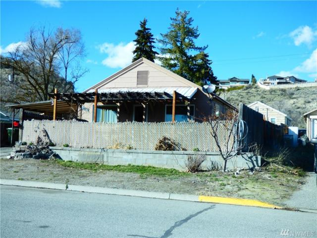 318 Bartlett Ave W, Omak, WA 98841 (#1430427) :: Ben Kinney Real Estate Team