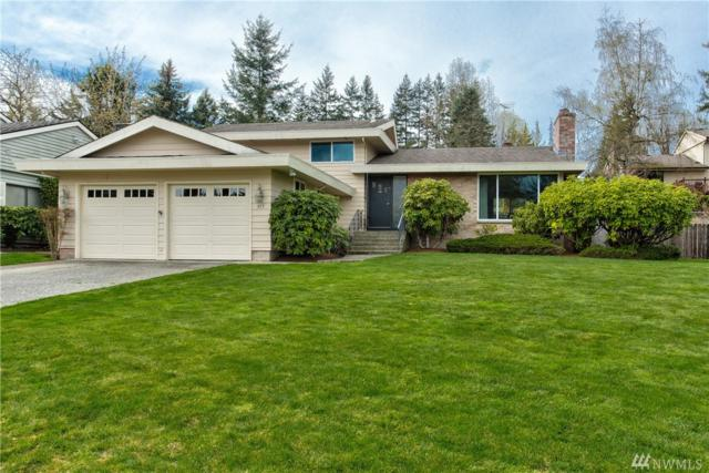 813 146th Ave SE, Bellevue, WA 98007 (#1435007) :: Northern Key Team