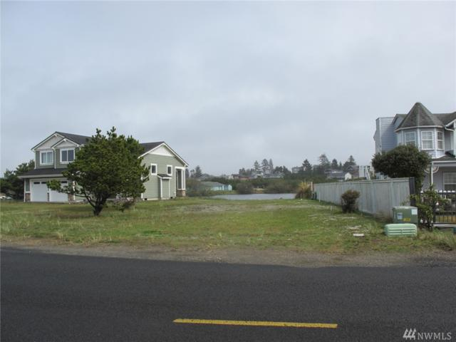 34106 G St, Ocean Park, WA 98640 (#1436270) :: Real Estate Solutions Group