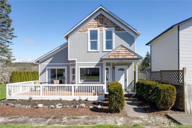 956 Blaine Ave, Blaine, WA 98230 (#1437125) :: NW Home Experts