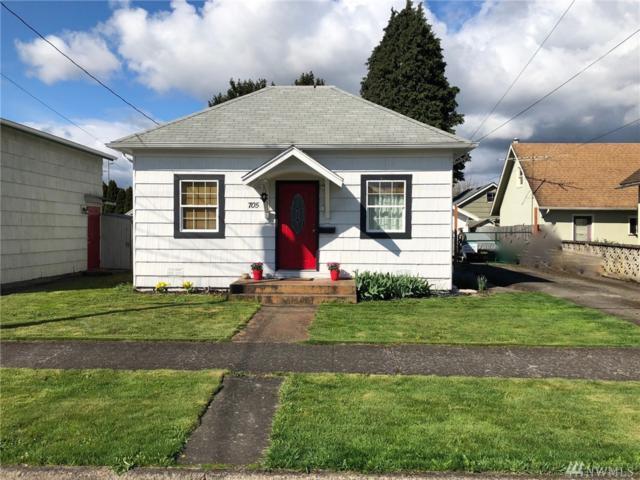 705 Crawford St, Kelso, WA 98626 (#1438438) :: Keller Williams Western Realty