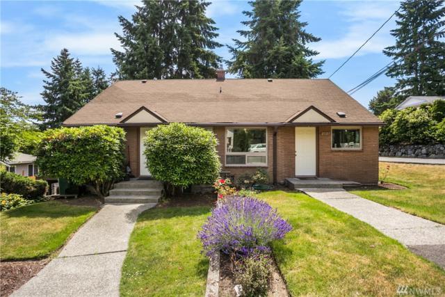 2527 NE 110th St, Seattle, WA 98125 (#1439869) :: Platinum Real Estate Partners