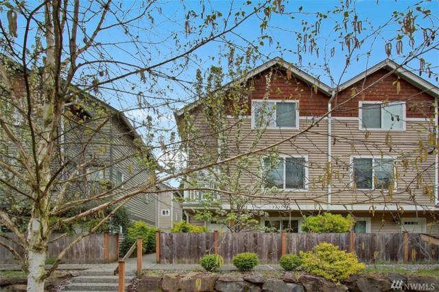 12333 28th Ave NE A, Seattle, WA 98125 (#1440622) :: Keller Williams Realty