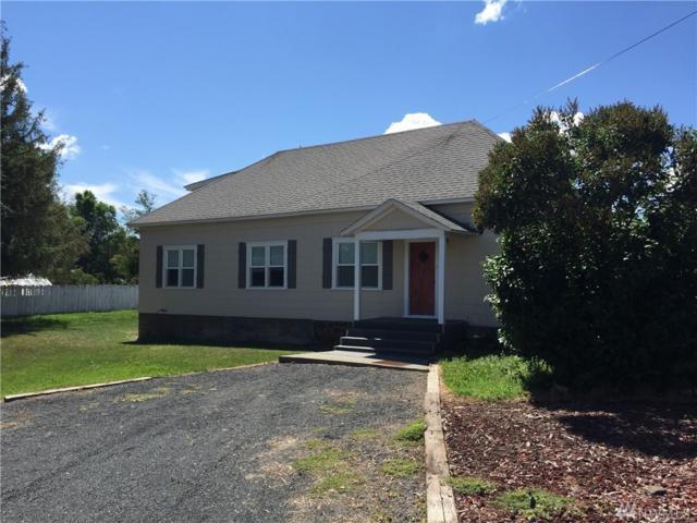 217 W Chestnut St, Almira, WA 99103 (#1442121) :: Ben Kinney Real Estate Team