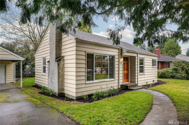 10527 20th Ave NE, Seattle, WA 98125 (#1442199) :: Northern Key Team