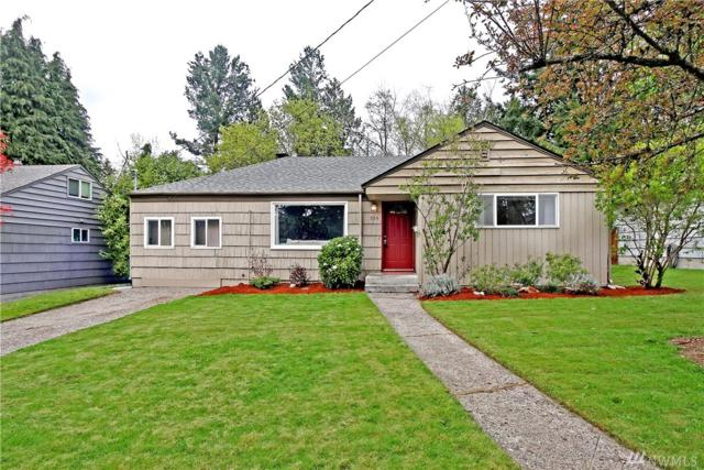 334 NE 162nd St, Shoreline, WA 98155 (#1442603) :: Hauer Home Team
