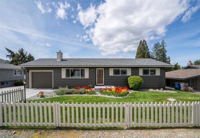 310 S Jarvis Ave, East Wenatchee, WA 98802 (#1445073) :: McAuley Homes
