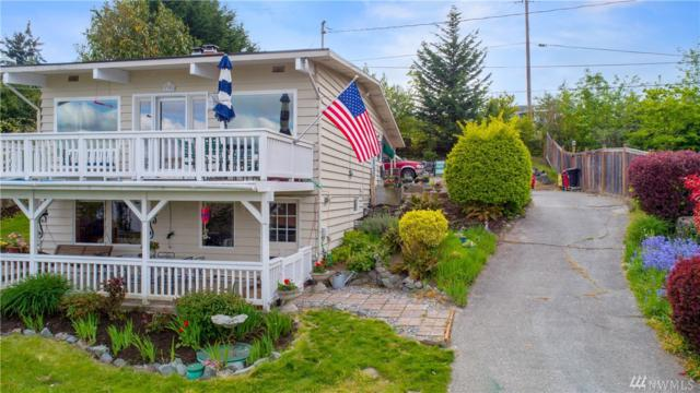 1304 Country Club Dr, Camano Island, WA 98282 (#1450245) :: Keller Williams Western Realty