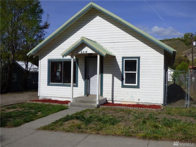 117 Douglas St N, Omak, WA 98841 (#1451396) :: Homes on the Sound