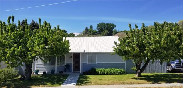 29 Douglas St N, Omak, WA 98841 (#1452588) :: TRI STAR Team | RE/MAX NW