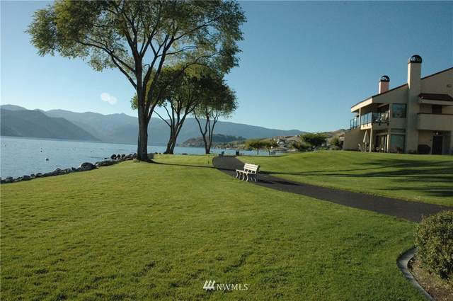 100 Lake Chelan Shores Drive 15-3, Chelan, WA 98816 (#1452905) :: The Shiflett Group
