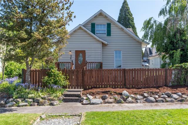 220 N 7th St, Mount Vernon, WA 98273 (#1453661) :: Ben Kinney Real Estate Team