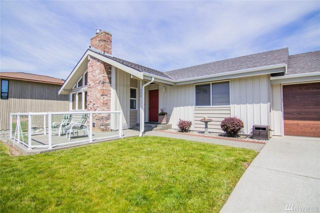 732 Palisades Dr, Coupeville, WA 98239 (#1454117) :: The Royston Team