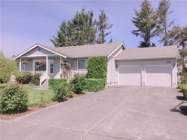 205 Evergreen Wy, Everson, WA 98247 (#1454658) :: Keller Williams Realty
