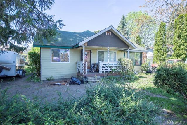 10437 18th Ave SW, Seattle, WA 98146 (#1454841) :: The Royston Team