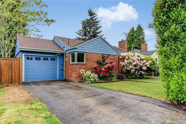 8819 5th Ave NE, Seattle, WA 98115 (#1457610) :: Alchemy Real Estate